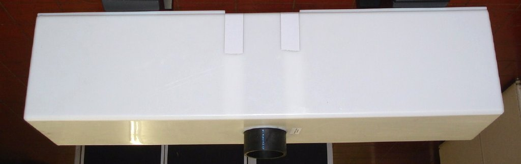 Bottom Center Drain: With Filters On Each Side