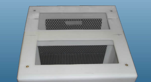 lint interceptor for laundry facility